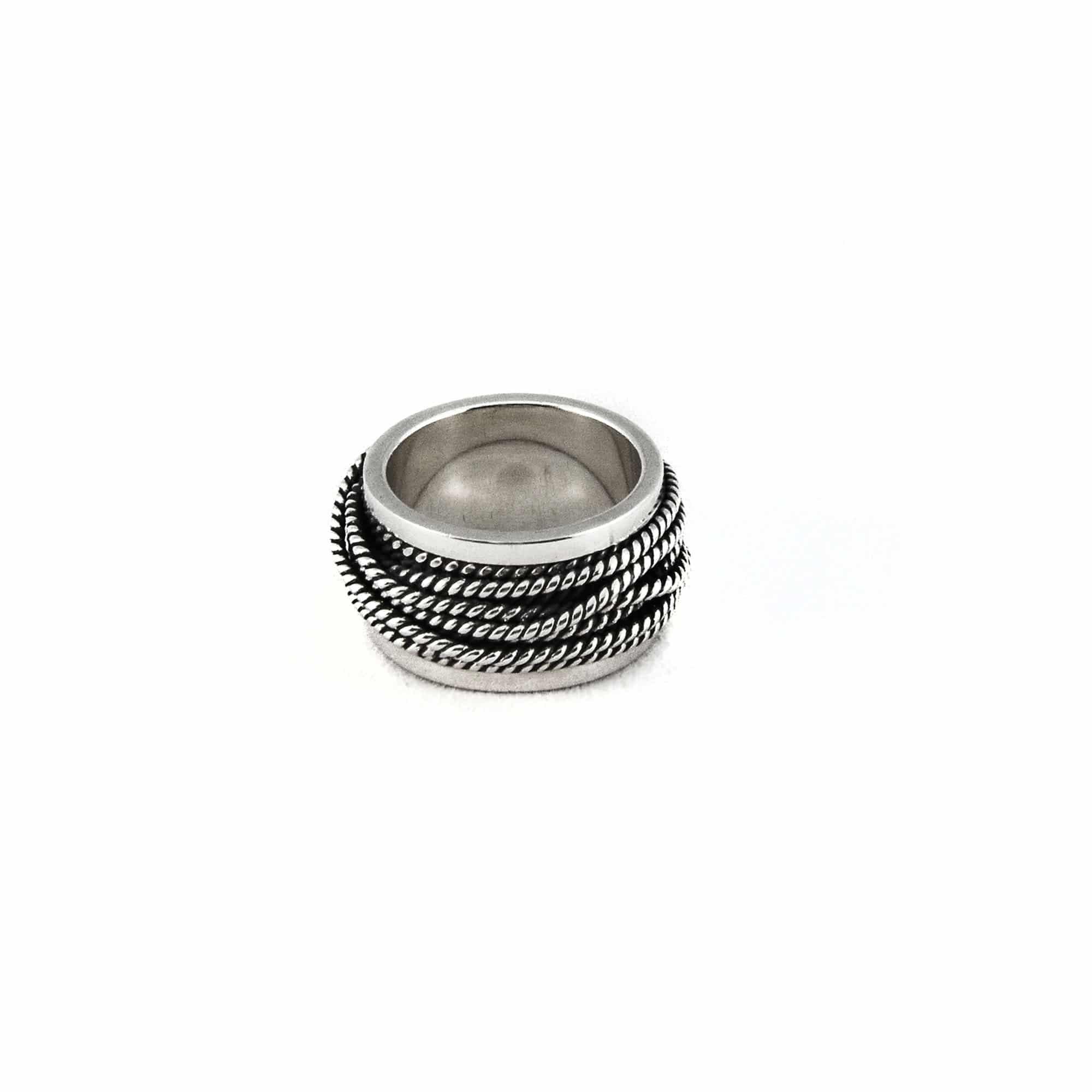 Segoya Ebisa hoog gehalte zilveren ring, handgemaakt in Bali.