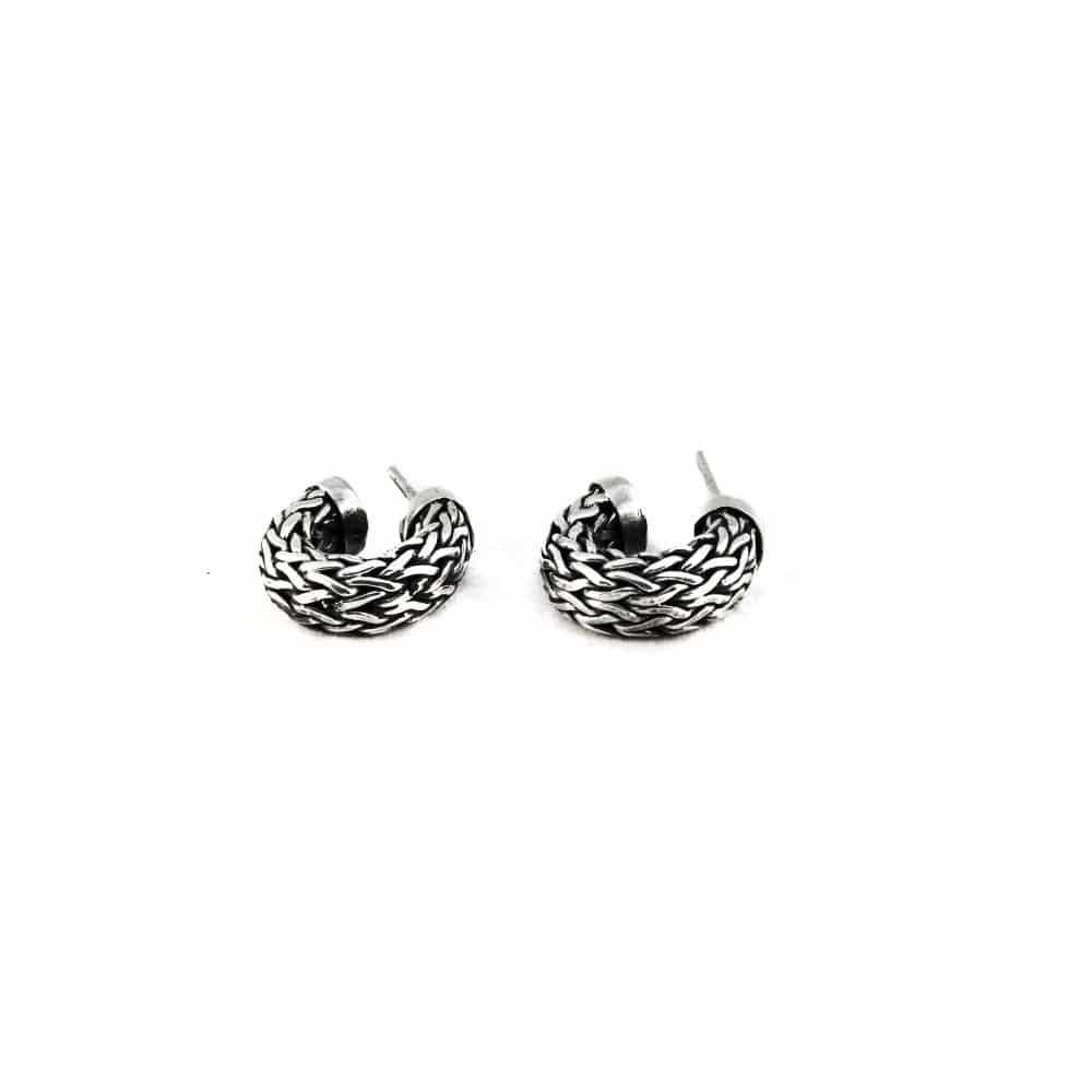 Segoya Seram hoog gehalte zilver oorbellen, handgemaakt in Bali.
